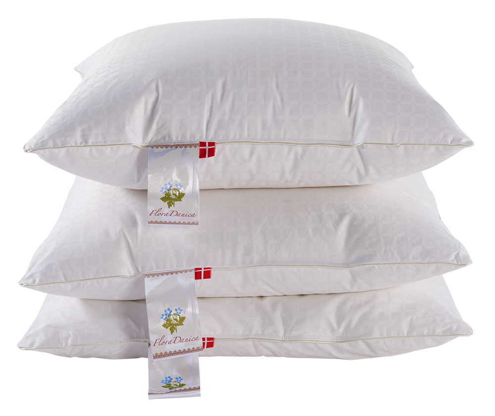 Fabriksnye Flora Danica Daisy pillow. Pillow with European muscovy down CQ-21